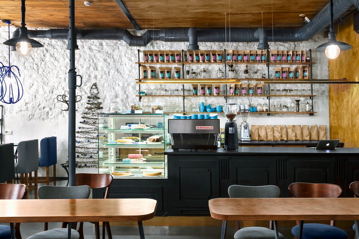 Фауна и флора: стильный интерьер кафе от Йовы Ягер