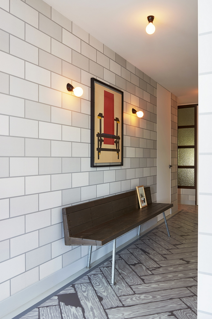 11-hod-korolevoj-fyuzhn-apartamenty-ot-studio-job