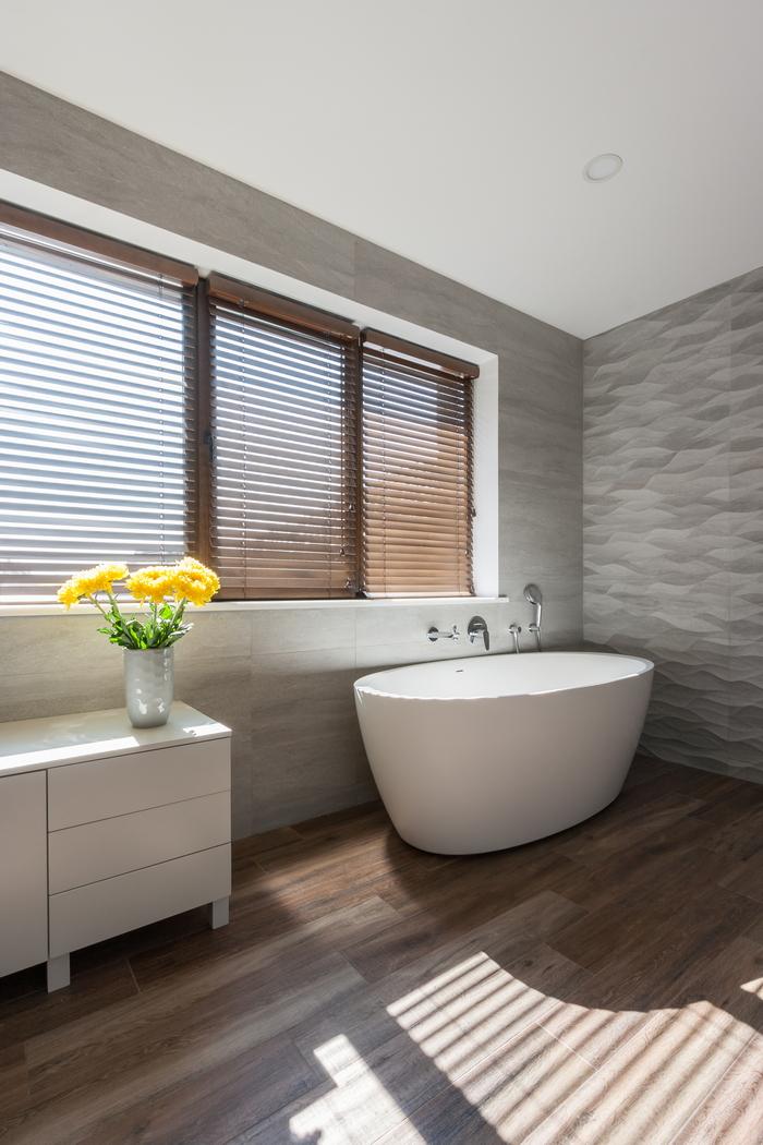 10 stena-kak-vizualnyj-aktsent-interer-ot-np-interior-design