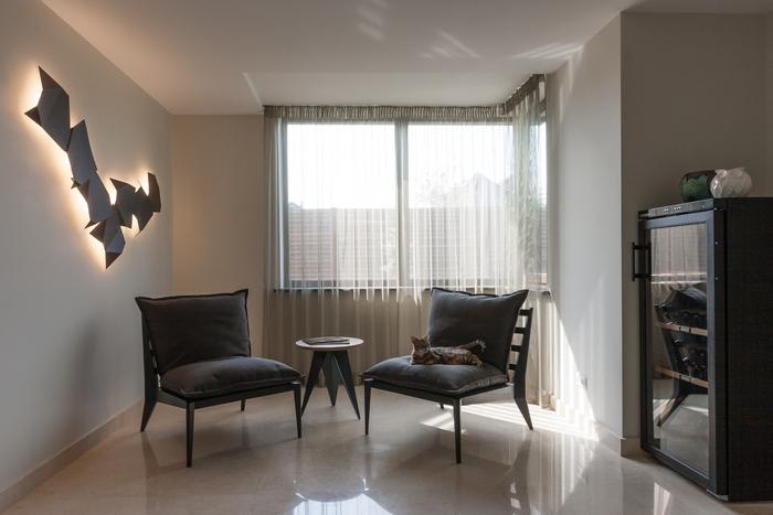 13 stena-kak-vizualnyj-aktsent-interer-ot-np-interior-design
