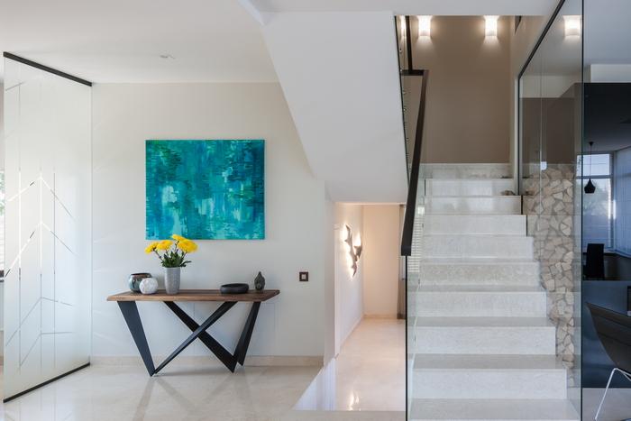 6 stena-kak-vizualnyj-aktsent-interer-ot-np-interior-design