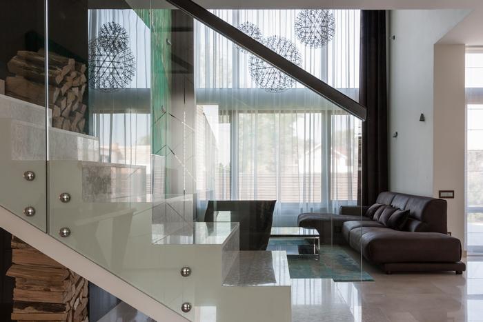 7 stena-kak-vizualnyj-aktsent-interer-ot-np-interior-design