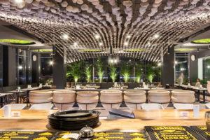 3 vremya sobirat kamni parametricheskij dizajn v interere restorana