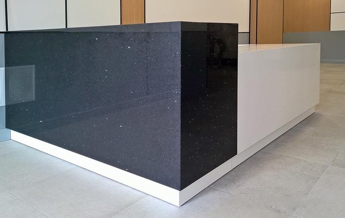 Искусственный камень, синтетический камень: особенности применения в интерьере