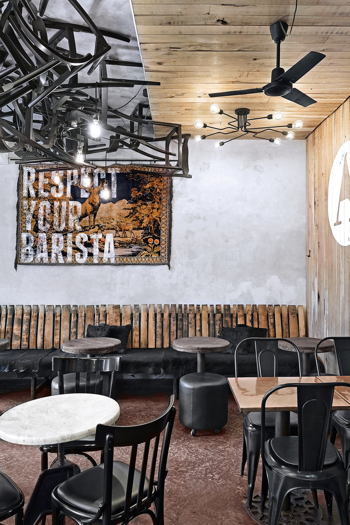 Дизайнерская обжарка: интерьер кофейни в Одессе