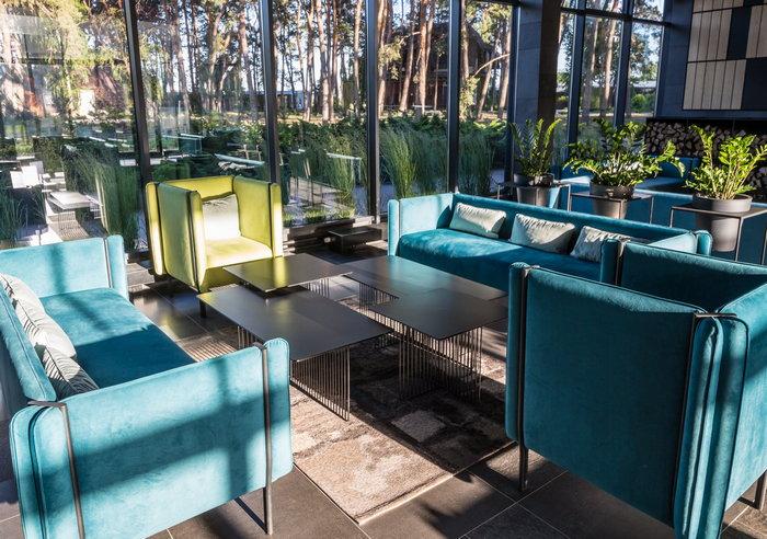 Лобби-бар в «GOOD ZONE Hotel»: красота согреет мир