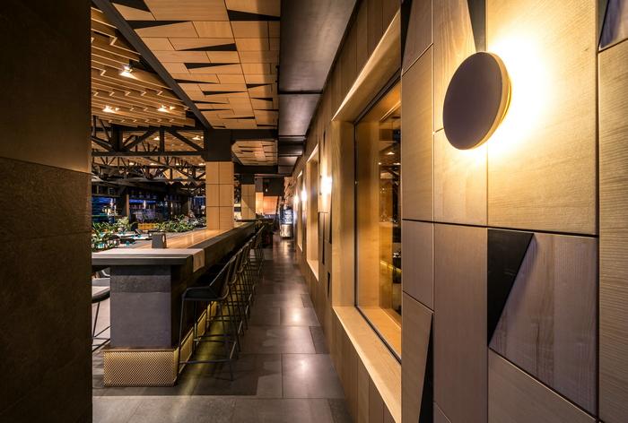 Ресторан в «GOOD ZONE Hotel»: лестница в небо
