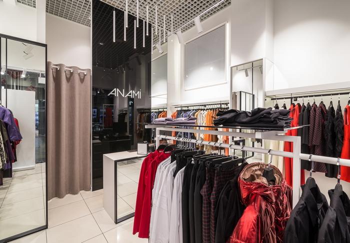 Бутик дизайнерской одежды в Днепре: в черно-белой гамме