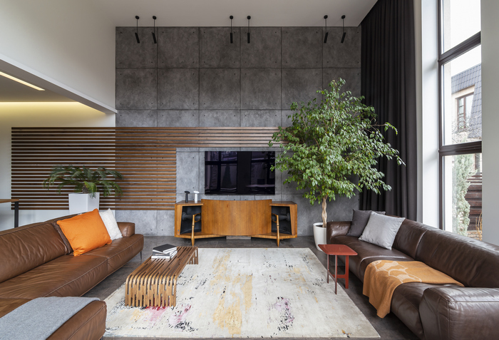Высокий потолок в частном доме: бонус или проблема