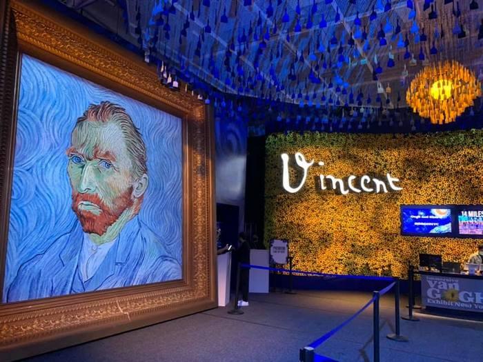 Иммерсивная выставка Ван Гога: жизнь внутри картины